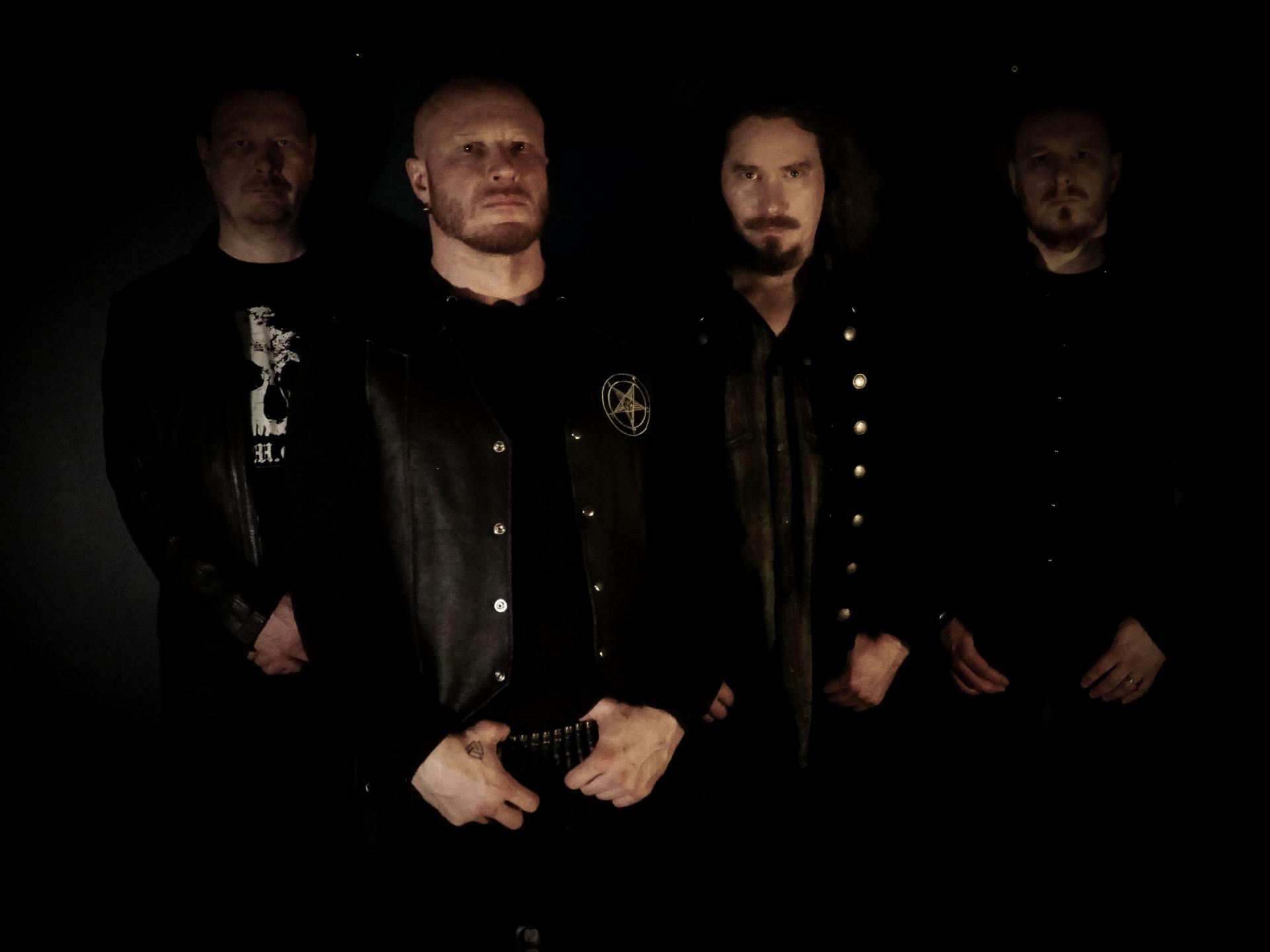 DARKWOODS MY BETROTHED (Finlande) : Black is back !